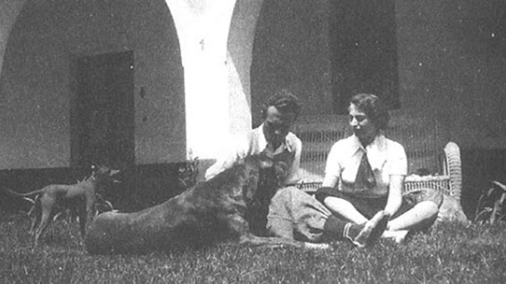 Adolfo Bioy Casares y su gran danés Ajax.